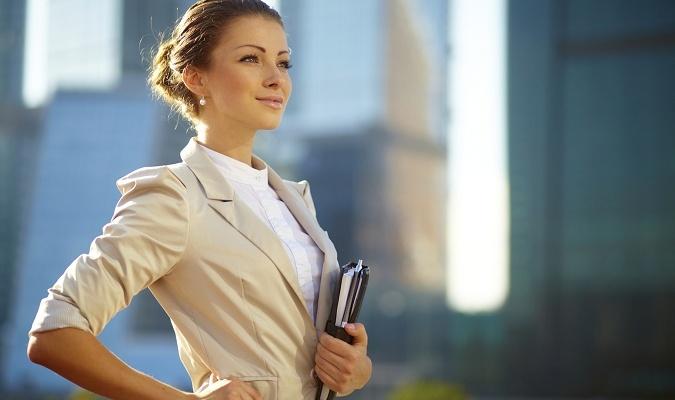 Бизнес-леди в пиджаке